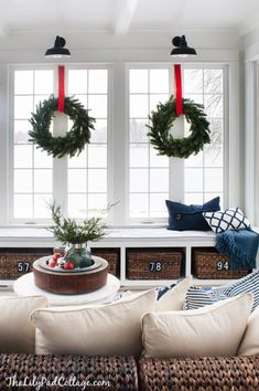 window seat decorated for christmas :: Classic Red Christmas Tour | The Lilypad Cottage