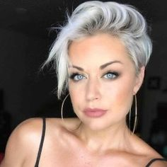 70 Best Short Pixie Cut Hairstyles 2019 - Cute Pixie Haircuts for Women We guarantee you that they are extremely an extraordinary gathering of the Best Short Pixie Hairstyles 2019 in the mold drift for you. Short Curly Hair, Short Hair Cuts, Short Hair Styles, Cute Pixie Haircuts, Pixie Hairstyles, Black Hairstyles, Summer Hairstyles, Haircut For Older Women, Short Hairstyles For Women