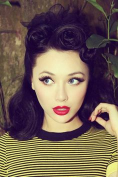 Be inspired by pinup hair and makeup on your vintage hen do, or book the girls in for a vintage makeover before your big night out.