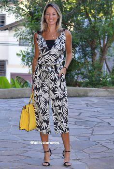 Look de trabalho - look do dia - look corporativo - moda no trabalho - work outfit - office outfit -  spring outfit - look executiva - look de verão  - summer outfit - macacão pantacourt estampado - bolsa amarela - preto e branco - black and white