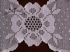 Flor central do naperon de crochet, branco