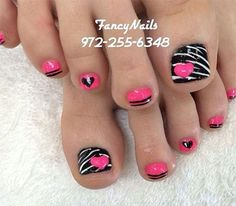 23 Fashionable Pedicure Designs to Beautify Your Toenails: #14. Faddish Toenail Design