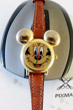 Mickey Mouse Walt Disney store exclusive Mickey & Co. by LosTNPawN
