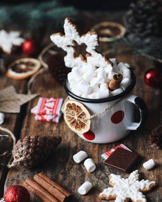 Cabin Christmas, Christmas Mood, Little Christmas, All Things Christmas, Merry Christmas, Winter Things, Christmas Hot Chocolate, Illustration Noel, Christmas Aesthetic