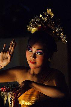 Balinese dancer  Service Solahart Jakarta 081284559855  web:  http://www.solahartresmi.blogspot.com
