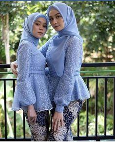 to wear to a wedding muslim simple Kebaya Modern Hijab, Model Kebaya Modern, Kebaya Muslim, Modern Hijab Fashion, Muslim Women Fashion, Batik Fashion, Muslim Hijab, Hijab Dress Party, Hijab Style Dress