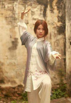 The Basics Of Judo – Martial Arts Techniques Qi Gong, Shaolin Kung Fu, Karate, Kung Fu Martial Arts, Chinese Martial Arts, Muay Thai, Jiu Jitsu, Tai Chi Clothing, Tai Chi Qigong
