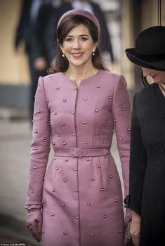Princess Mary of Denmark steps out in a dazzling pink coat dress Princesa Mary, Coat Dress, Shirt Dress, Smart Casual Women, Denmark Fashion, Mode Kawaii, Princess Marie Of Denmark, Royal Clothing, Danish Royal Family