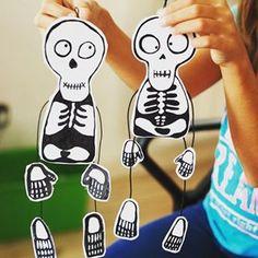 Más ideas terroríficas para poner tu casa a punto para Halloween, en esta ocasión de la mano de @krokotak Visita nuestro especial de Halloween en www.saposyprincesas.com y encuentra más manualidades y juegos para hacer con los niños #Halloween #crafts #decoration #kids #skeleton