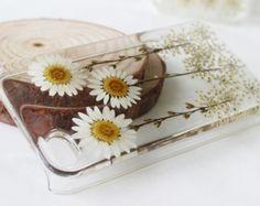 White chrysanthemums Real Pressed flower iPhone 6 case, iPhone 6 plus case, iPhone 5 case, iPhone 5s case, iPhone 5c case, iPhone 4s case