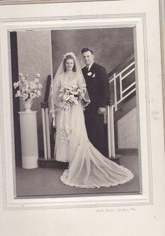 Bride and Groom Grafton Wi Vintage Wedding Photos, Vintage Bridal, Wedding Pictures, Vintage Weddings, Vintage Photos, Wedding Fans, Wedding Couples, Wedding Bride, Wedding Parties