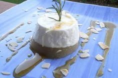 ricotta,pere al rosmarino e miele di castagno