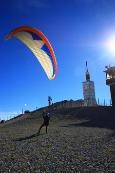 Paragliding on Mont-Ventoux - http://www.provenceguide.co.uk/home/vaucluse-in-provence/what-to-do-and-see/outdoor-activities.aspx
