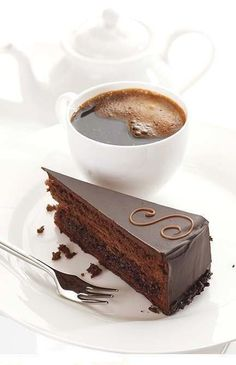 A piece of chocolate cake for your breakfast, may be...? Have a nice day!