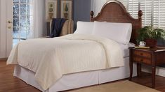 Hate getting into a cold bed? Don't want to sleep under a pile of blankets to stay warm? These electric blankets and heated mattress pads will keep you toasty warm without the bulk. Check out our top picks below to find the best option for you. Queen Size, King Size, Stay Warm, Warm And Cozy, Heated Blanket, Warm Blankets, Bedding Collections, Plush, Electric