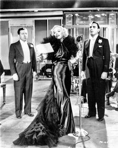 Frank McHugh, Marion Davies & Pat O'Brien, Page Miss Glory, 1935 (gowns by Orry-Kelly) Old Hollywood Glamour, Hollywood Fashion, Vintage Hollywood, Hollywood Actresses, Z Movie, Orry Kelly, Marion Davies, Gown Gallery, Average Girl