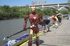 Iron Man est un rameur.