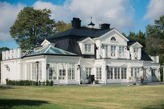 The Virtual Builder Modern Farmhouse New England Hus, Future House, Dream Mansion, Playa Beach, Swedish House, Dream House Exterior, Sims House, House Layouts, Classic House