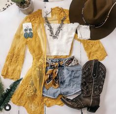 Country Chic Outfits, Country Concert Outfit, Cowgirl Style Outfits, Western Outfits Women, Southern Outfits, Rodeo Outfits, Fiesta Outfit, Mexican Outfit, Cute Summer Outfits