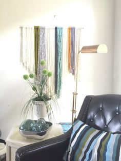 macrame head board, how to macrame, how to tie a square knot , yarn wall hanging