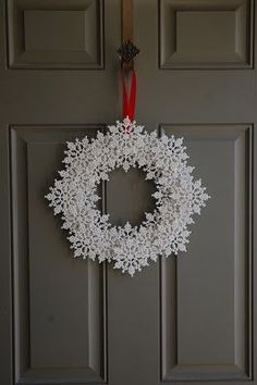 Snowflake Wreath How To picture
