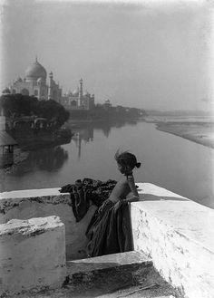 La terrasse de Sitta, Agra, India 1906 by Georges Gasté