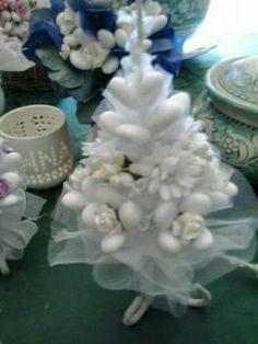 Raffinate creazioni di confetti. come da tradizione campana. di Rosanna.