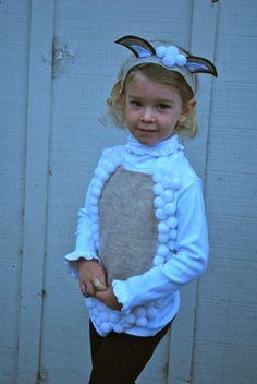 Lambie costume Farm Animal Costumes, Sheep Costumes, Nativity Costumes, Nativity Crafts, Diy Costumes, Costume Ideas, Christmas Pageant, Christmas Program, Christmas Concert