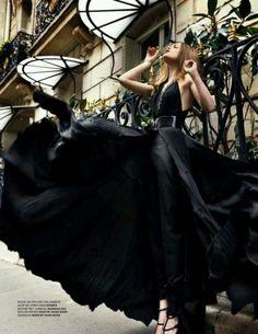 Glamour oh city Foto Fashion, Fashion Moda, Dress Fashion, High Fashion, Parisian Fashion, Fashion Black, Style Fashion, Fashion Vestidos, Mode Glamour