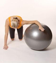 Estiramiento de pectorial/deltoides con fitball