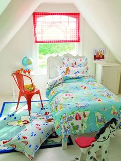 Modern meets vintage in the Designers Guild collection of bedding, pillows and rugs. Innovative designs, unusual details and bold colors for your kids room! Designers Guild, Luxury Sofa, Luxury Bedding, Childrens Bed Linen, Big Girl Rooms, Kids Rooms, Luxury Duvet Covers, Linnet, Duvet Sets