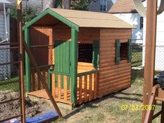 31 Free DIY Playhouse Plans to Build for Your Kids' Secret Hideaway Kids Playhouse Plans, Outside Playhouse, Backyard Playhouse, Build A Playhouse, Playhouse Kits, Simple Playhouse, Outdoor Playhouses, Pallet Playhouse, Childrens Playhouse