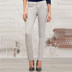 New Arrival Autumn Grey Skinny Low Waist Pants only $35.99 at http://www.wendybox.com/goods-4817-New+Arrival+Autumn+Grey+Skinny+Low+Waist+Pants+.html
