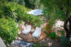 Relax, feeling the peace and joy that the rural life and nature can generously offer. Mediterranean Art, Outdoor Lounge, Outdoor Decor, Bbq Area, Private Garden, Lounge Areas, Photo Galleries, Relax, Exterior