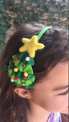 Unique and adorable. Made with wool-blend. Layers of felt along with bells and tinny pompoms as ornaments. Felt star ⭐️ on top of the tree. Select nylon or hard plastic headband. If you have shades in mind you can customize the ornaments. Christmas Hair Bows, Felt Christmas, Christmas Crafts, Christmas Decorations, Christmas Ornaments, Christmas Tree Headband, Diy Dog Collar, Hair Bow Tutorial, Diy Hair Bows
