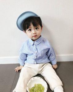 Cute Kids, Cute Babies, Ulzzang Kids, Asian Babies, Kids Fashion Boy, Baby Pictures, Kids Boys, Baby Boy, Korea