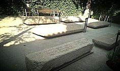 Jardin de la Memoria se encuentra dentro de la Sinagoga de Transito que fue construida entre 1355 y 1357 por Samuel a Levi