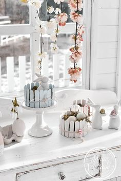 Spring Is Coming, Hello Spring, Projects For Kids, Handicraft, Diy And Crafts, Upcycle, Easy Diy, Candle Holders, Easter