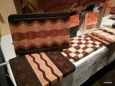 Cutting Boards - Much more stylish than the standard 'blank' Cutting board, get creative End Grain Cutting Board, Diy Cutting Board, Custom Cutting Boards, Butcher Block Cutting Board, Butcher Blocks, Beginner Woodworking Projects, Woodworking Patterns, Woodworking Classes, Woodworking Shop