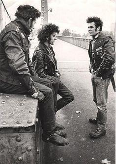 Rockers on the Chelsea Bridge