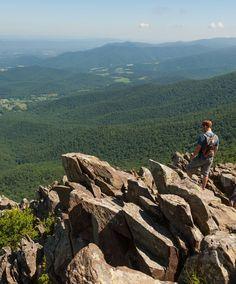 from Washington DC). This park… Shenandoah National Park, Shenandoah Valley, Blue Ridge Mountains, Best Places To Camp, Places To See, Camping And Hiking, Hiking Trails, Hiking Spots, Virginia Camping