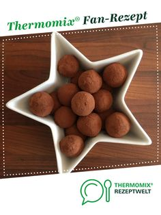 Tiramisu balls from Emirelisa. A Thermomix ® recipe from the Desserts category on www.de, the Thermomix ® Community. Tiramisu balls from Emirelisa. A Thermomix ® recipe from the Desserts category on www.de, the Thermomix ® Community. Easy Potato Recipes, Fun Easy Recipes, Easy Chicken Recipes, Baby Food Recipes, Crockpot Recipes, Cake Recipes, Dessert Recipes, Easy Meals, Dessert Simple