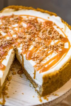 This Salted Caramel No Bake Cheesecake is rich and decadent with that perfect mix of salt and sweety flavors. The creamy cheesecake is made form scratch Best No Bake Cheesecake, Baked Cheesecake Recipe, Cheesecake Bites, Raspberry Cheesecake, Autumn Cheesecake Recipes, Pumpkin Cheesecake, Cheescake Recipe, Tart Recipes, Cookie Recipes