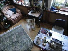Wohnen - Schwarzes Brett ÖH Rugs, Table, Furniture, Home Decor, Clipboard Wall, Boards, Homes, Farmhouse Rugs, Decoration Home
