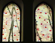 vitraux de roses du narthex