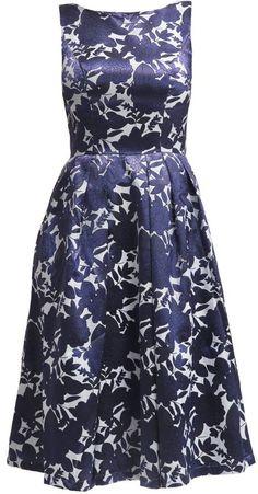 """Pin for Later: 50 Kleider für alle Gäste einer Hochzeit im Sommer  Chi Chi London """"Camile"""" gemustertes drucktes Kleid (90 €)"""