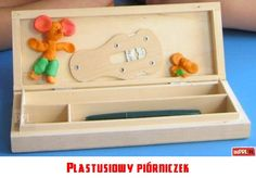 Plastusiowy piórniczek
