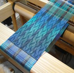 Only a bit of weaving today on the scarf warp - my back is bothering from way too much walking over the weekend on the coast........2 long w...