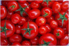 Incrível! Com a ajuda de um simples tomate, você pode se livrar das varizes | Cura pela Natureza.com.br