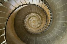 The staircase of Le Phare des Baleines - which is on Île de Ré off France's south-west coast. Logarithmic Spiral, Stairs To Heaven, Beautiful Stairs, Poster Online, Fibonacci Spiral, Lounge, Grand Staircase, Color Photography, Stairways